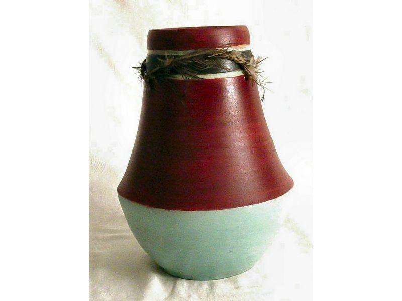 Indián tollas váza :