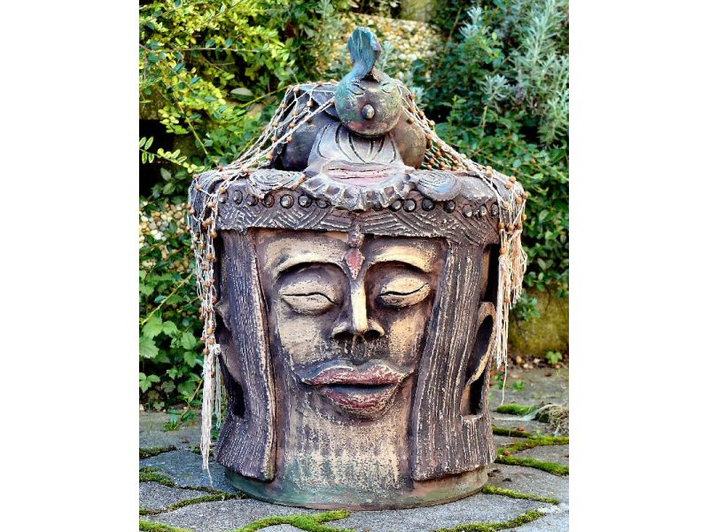 Indonéz szobor :